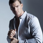 Alan Ritchson is featured in the latest issue of DA MAN magazine.