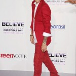 Justin-Bieber-Balmain-Believe-Premiere-Red-Carpet-Tom-Lorenzo-Site-8