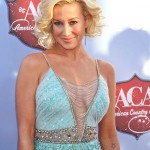 Kellie-Pickler-Badgley-Mischka-2013-American-Music-Awards-Tom-Lorenzo-Site-5