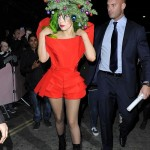 Lady-Gaga-Gal-On-The-Street-London-Trip-Tom-Lorenzo-Site-12