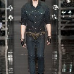 Versace-Fall-2014-Menswear-Slideshow-Tom-Lorenzo- (17)