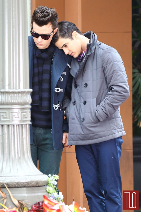 Chris-Colfer-Darren-Criss-On-Set-Glee-Tom-Lorenzo-Site-TLO (2)