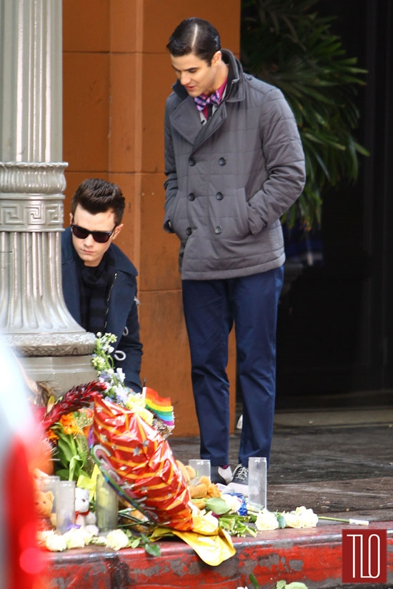 Chris-Colfer-Darren-Criss-On-Set-Glee-Tom-Lorenzo-Site-TLO (3)