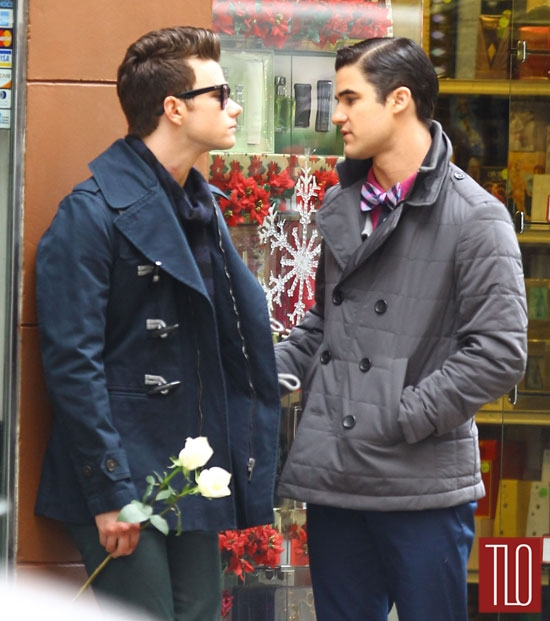Chris-Colfer-Darren-Criss-On-Set-Glee-Tom-Lorenzo-Site-TLO (4)