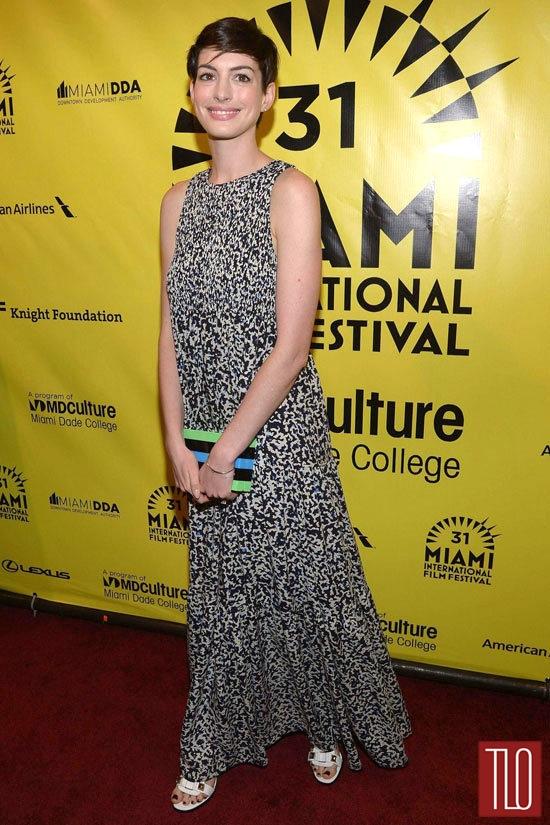 Anne-Hathaway-Elsa-Fred-Premiere-Tom-Lorenzo-Site-TLO (2)