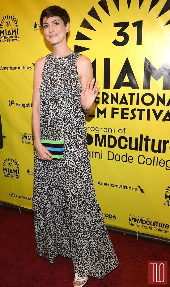 Anne-Hathaway-Elsa-Fred-Premiere-Tom-Lorenzo-Site-TLO (4)