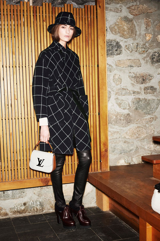 Chloe-Sevigny-Louis-Vuitton-Fall-2014-Show-Paris-Tom-Lorenzo-Site-TLO (2)