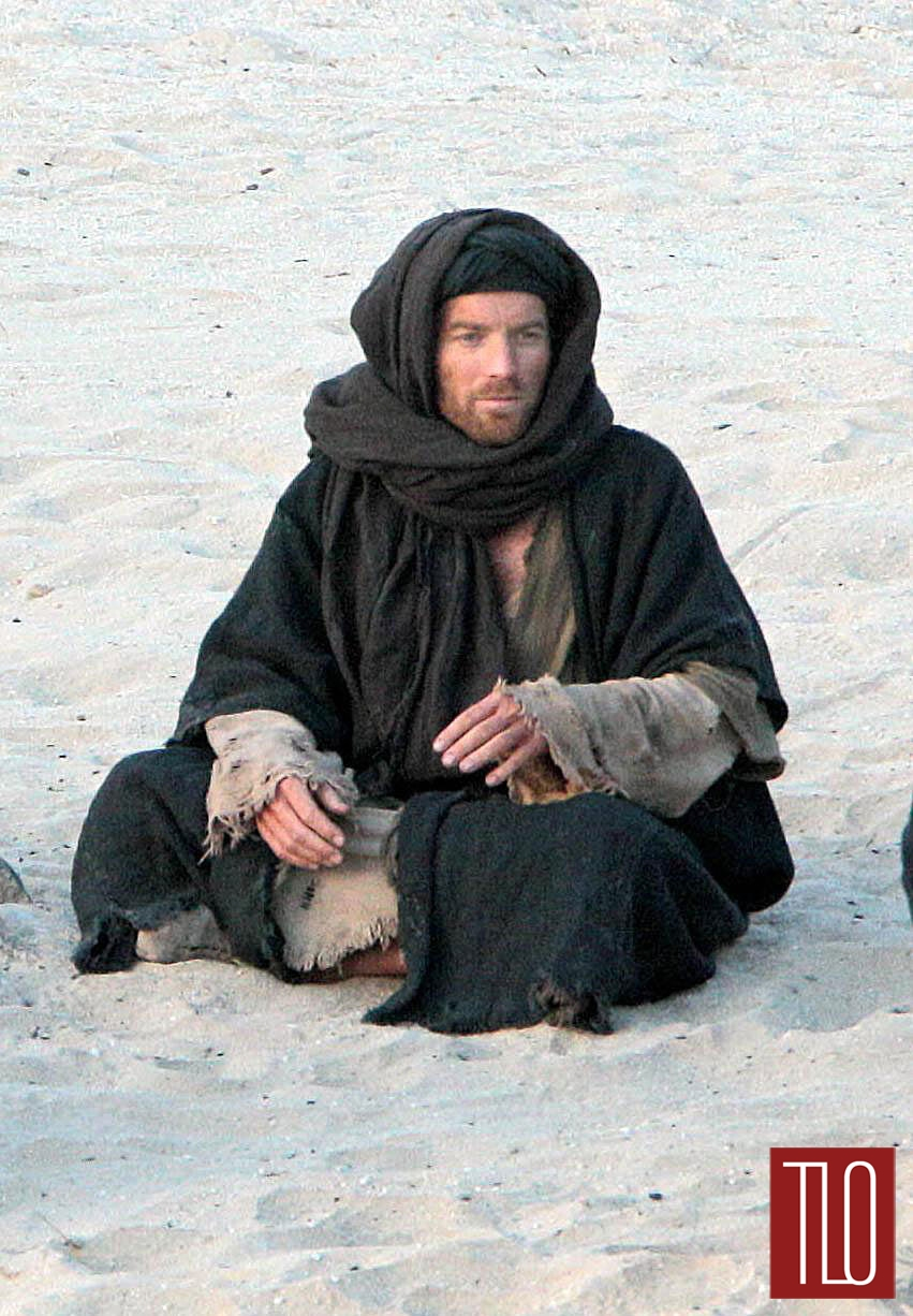 Ewan-McGregor-Last_days-Desert-Tom-Lorenzo-Site-TLO (1)