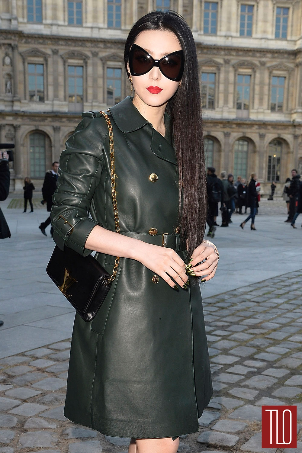 Fan-Bingbing-Louis-Vuitton-Fall-2014-Show-Tom-Lorenzo-Site-TLO (1)