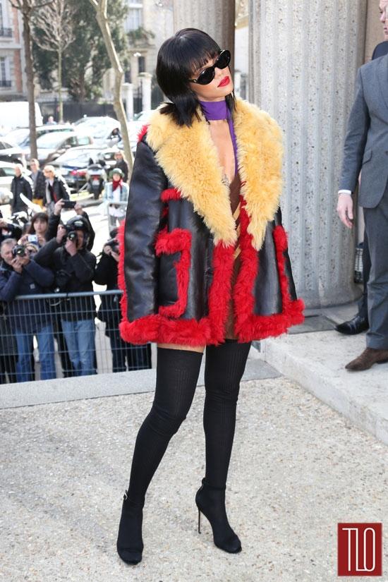 Rihanna-Miu-Miu-Fashion-Show-Prada-Tom-Lorenzo-Site-TLO (2)