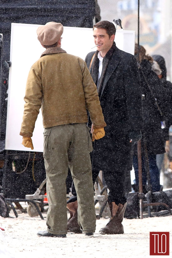 Robert-Pattinson-Dane-DeHaan-On-Set-Life-Tom-Lorenzo-Site-TLO (2)