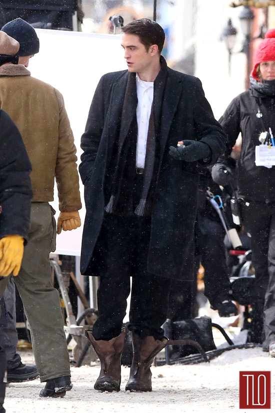 Robert-Pattinson-Dane-DeHaan-On-Set-Life-Tom-Lorenzo-Site-TLO (6)
