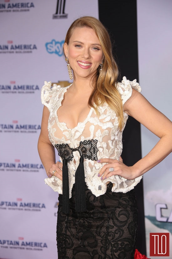 Scarlett-Johansson-Captain-America-Winter-Soldier-Armani-Prive-Tom-Lorenzo-Site-TLO (5)