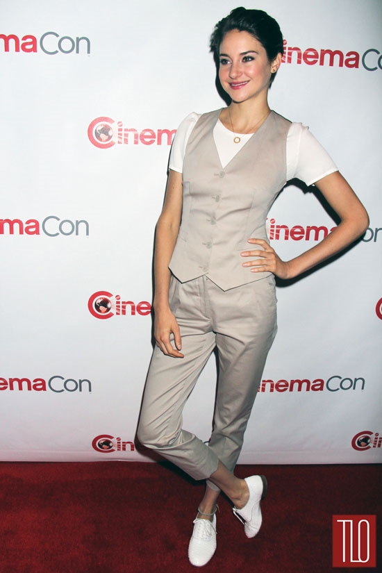 Shailene-Woodley-Dolce-Gabbana-CinemaCon-2014-Tom-Lorenzo-Site-TLO (3)
